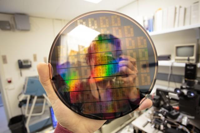 grafeno-chip-ibm