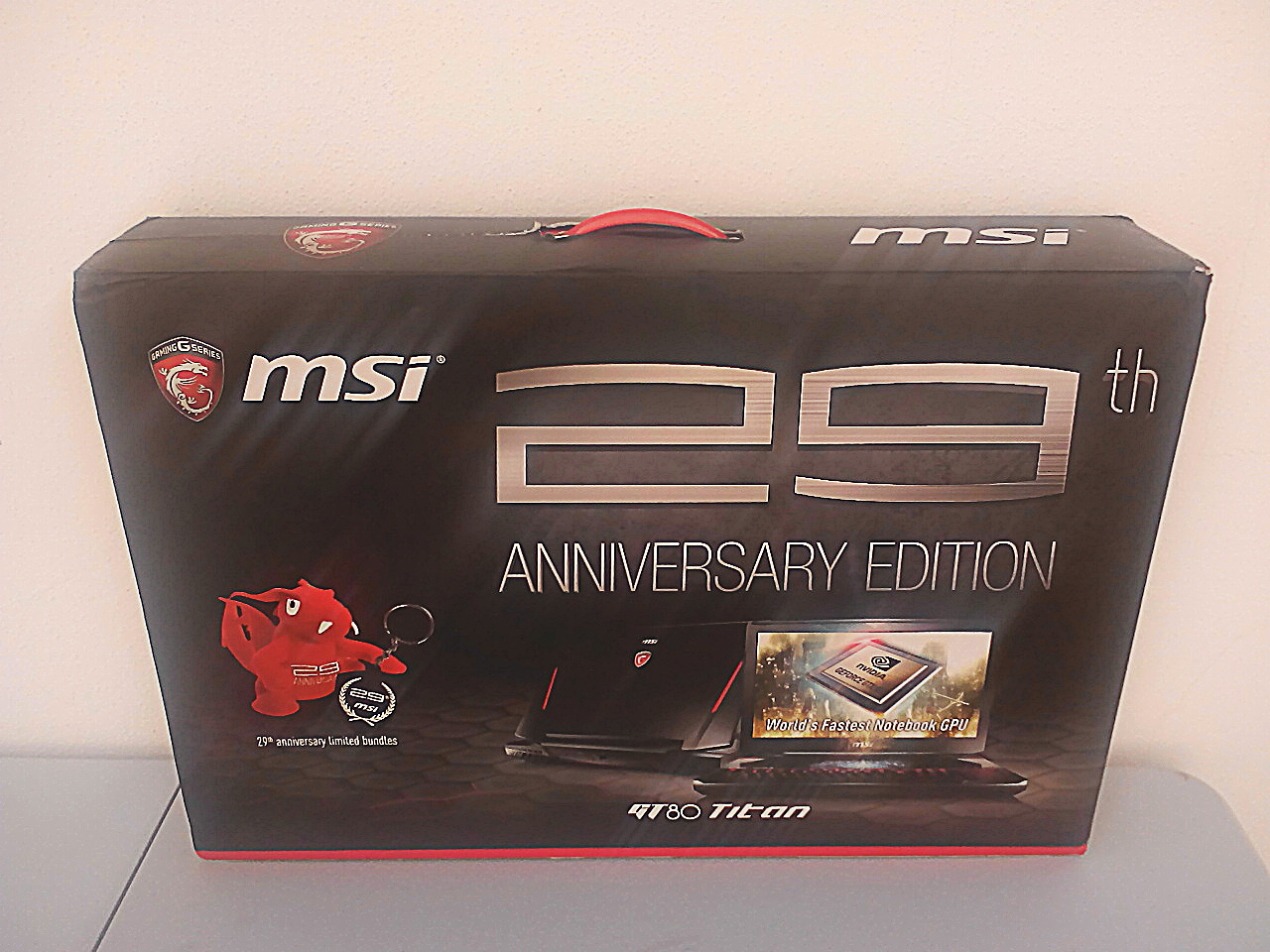 MSI GT80s 6QF Titan SLI Review caja