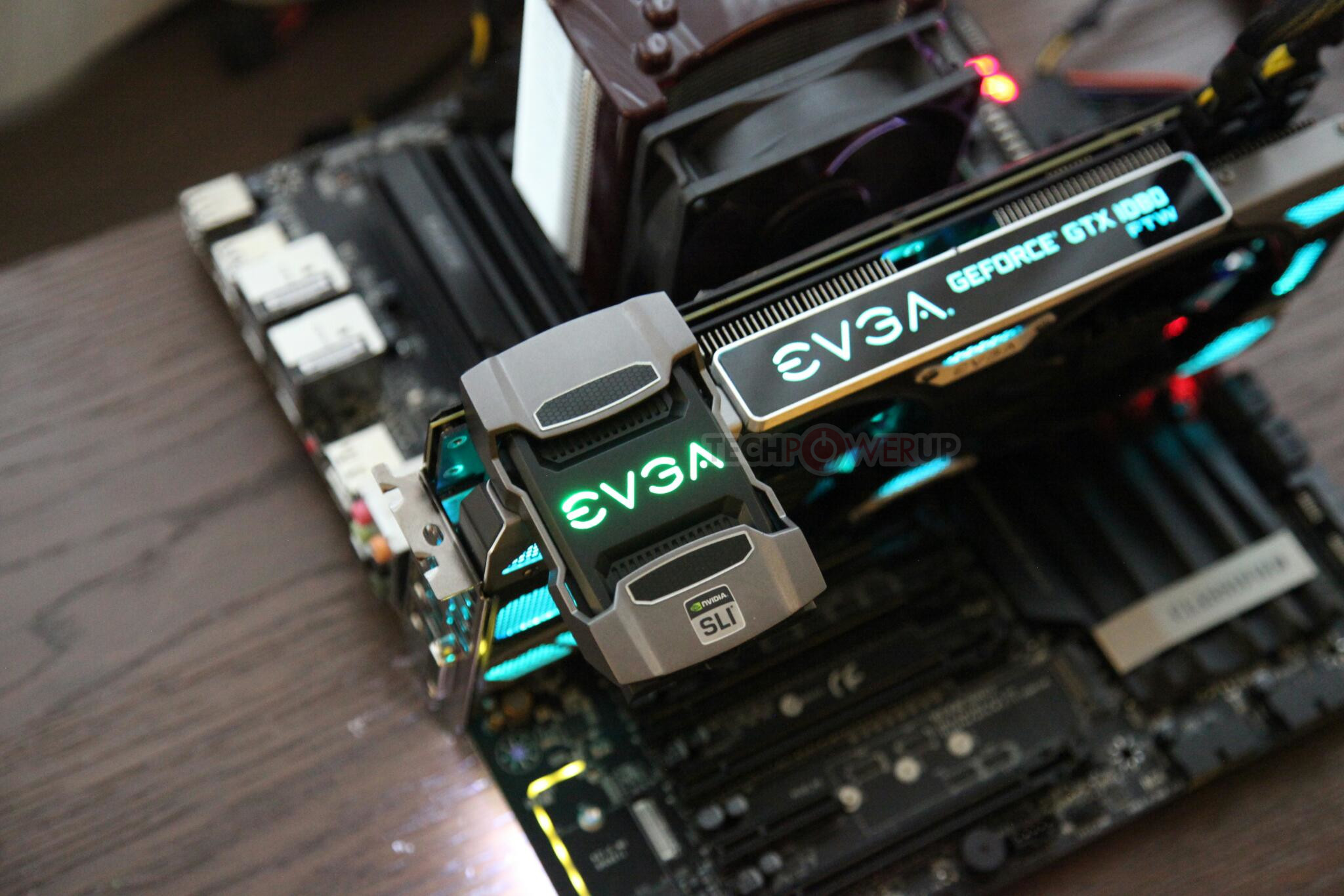 Nuevos puentes SLI de alto rendimiento EVGA SLI HB 2