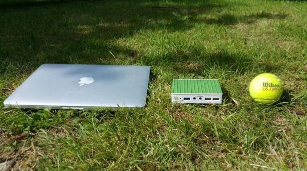 Photo of MiniBox Mini: PC con Linux Mint instalado