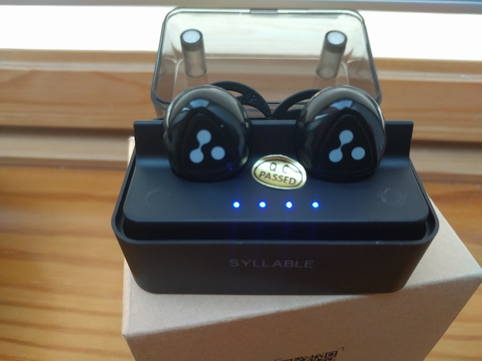 auriculares-syllable-led