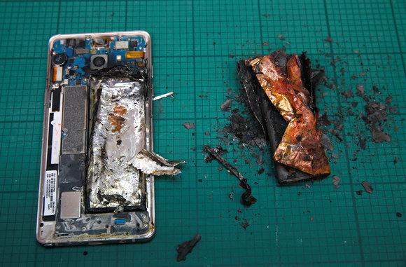 Photo of Samsung empieza a desactivar los Galaxy Note 7 con una actualización