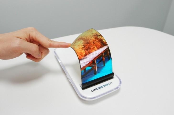 Apple compra paneles OLED para el iPhone 8