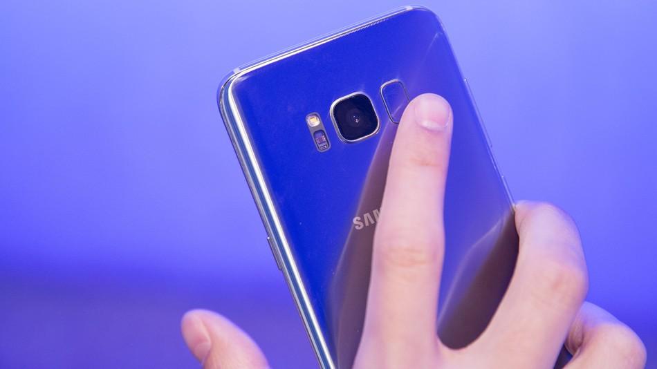 Photo of Samsung es demanda por infringir una patente de su sistema biométrico