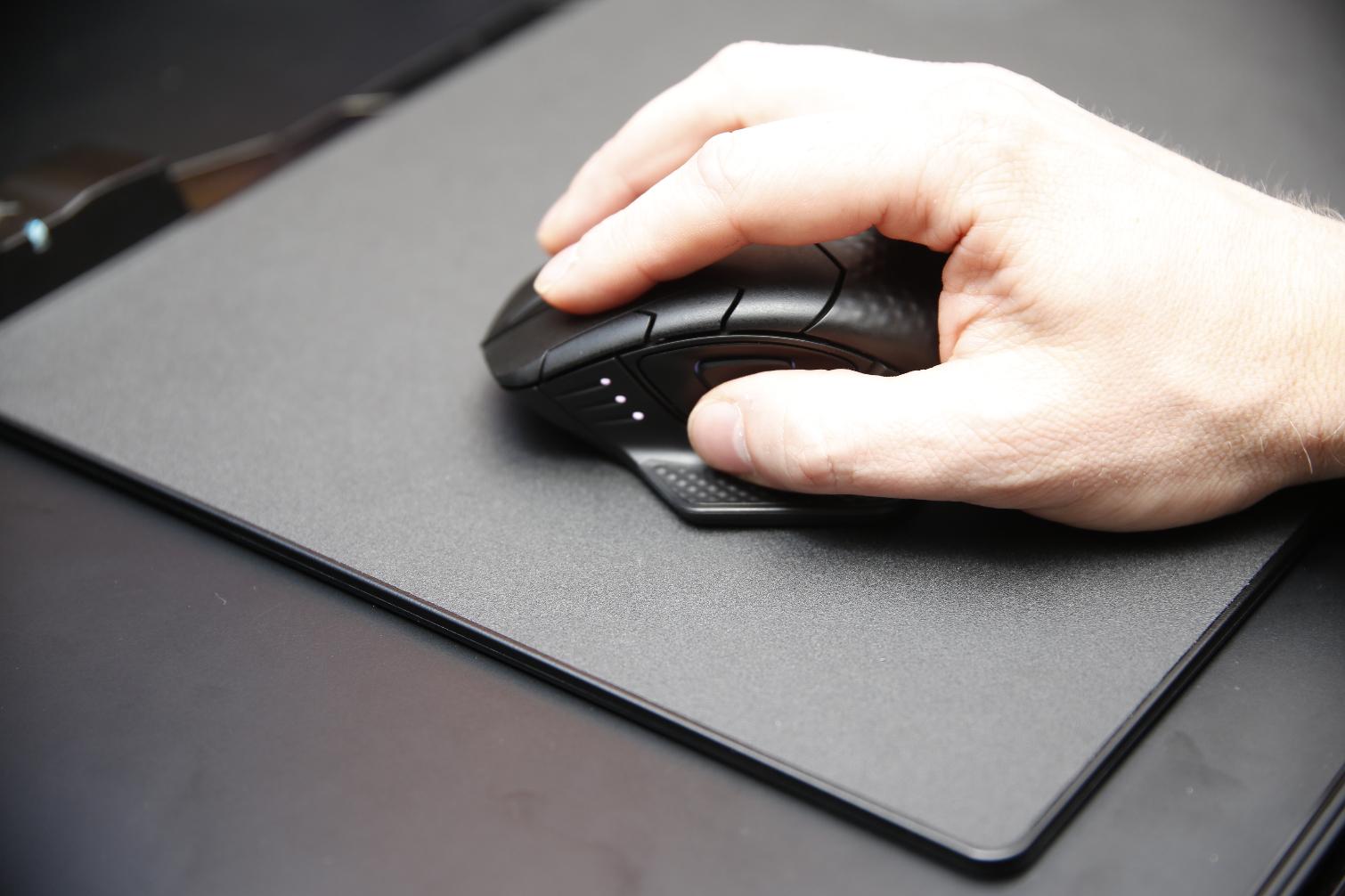 Photo of Corsair soluciona el mayor problema del ratón inalámbrico para gaming