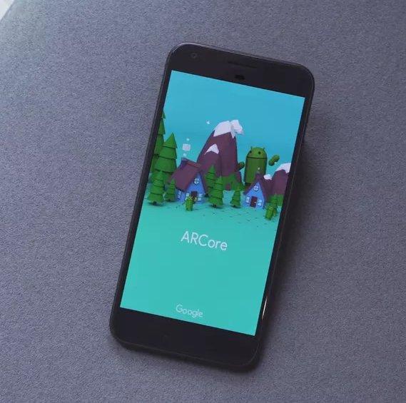 Photo of ARCore: la realidad aumentada de Google llegará a más teléfonos Android en marzo