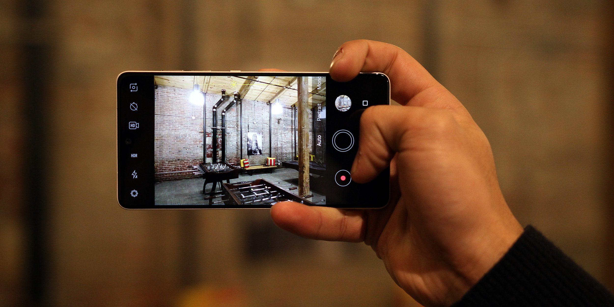 El Essential Phone recibe otra actualización de cámara con múltiples mejoras