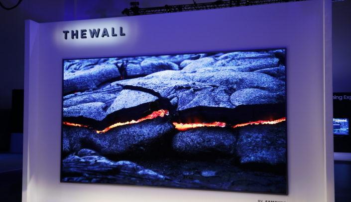Photo of Samsung muestra un televisor MicroLED de 146 pulgadas