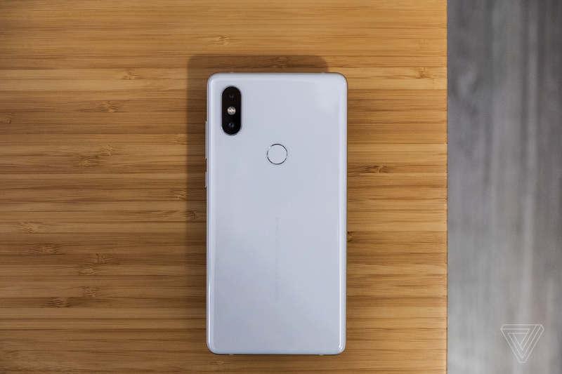 Xiaomi presume de las características del Mi Mix 2s