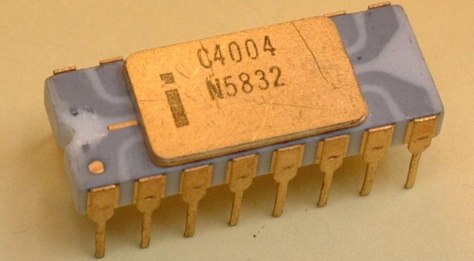 Cuál fue el primer microprocesador de la historia y quien lo inventó