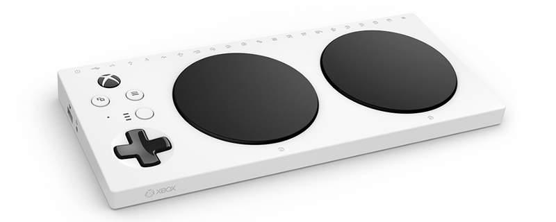 Microsoft Adaptive Controller quiere facilitar el acceso a los videojuegos a usuarios discapacitados
