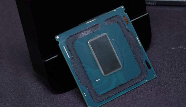 Der8auer pone a prueba el nuevo Core i7 8086K ante el nitrógeno líquido