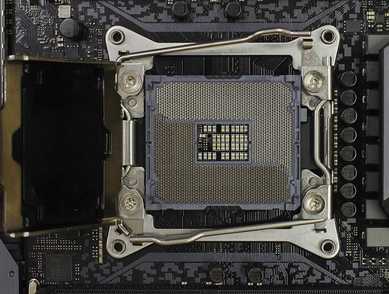 Intel trabaja en procesadores de 22 núcleos para LGA 2066