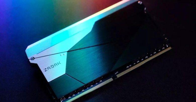 Photo of ZADAK revela la primer memoria DDR4 de 'doble capacidad' con 32 GB