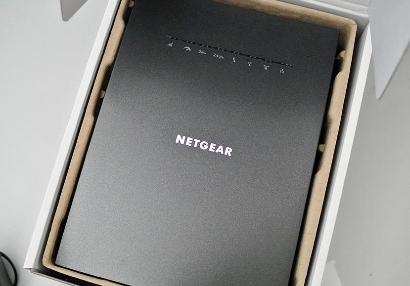 Netgear Nighthawk X6S EX8000