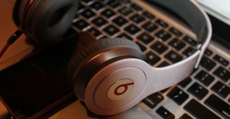 Cómo usar tu Mac con dos pares de auriculares a la vez