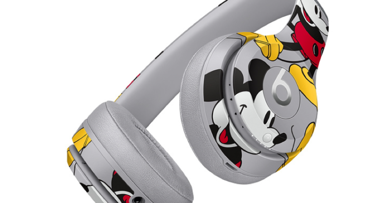 Photo of Apple lanza los Beats Solo 3 Wireless Mickey's 90th Anniversary Edition