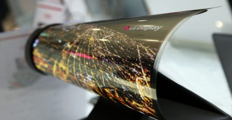 Photo of Samsung patenta un televisor OLED que se puede enrollar