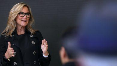 Ángela Ahrendts responde a las crítica sobre su pasado como jefa de ventas en Apple