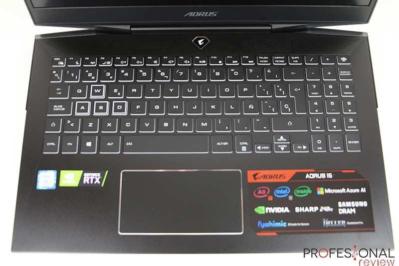 AORUS 15-XA teclado y touchpad
