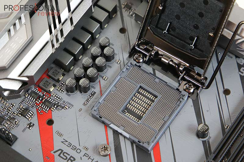 ASRock Z390 Phantom Gaming 7 Socket