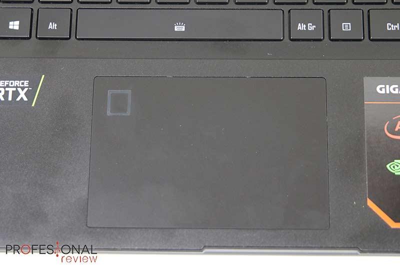 Gigabyte AERO 15 OLED touchpad