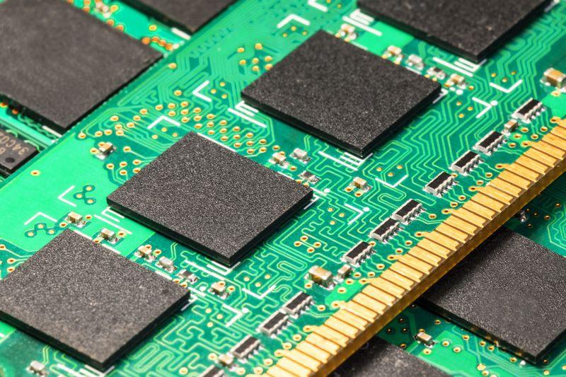 más RAM o más procesador