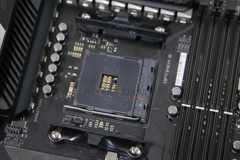 Asus ROG Crosshair VIII Hero Wi-Fi Socket