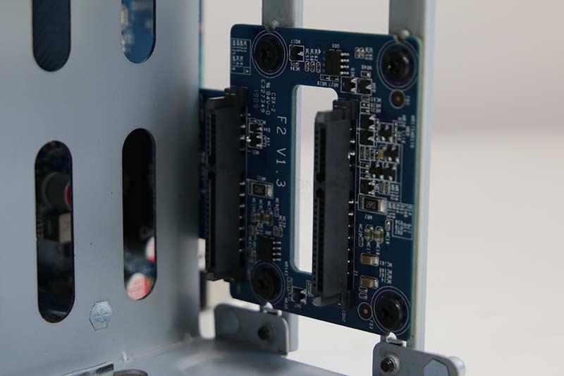 Terra Master F2-210 Hardware