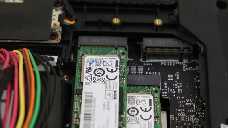 MSI GT76 Titan SSD