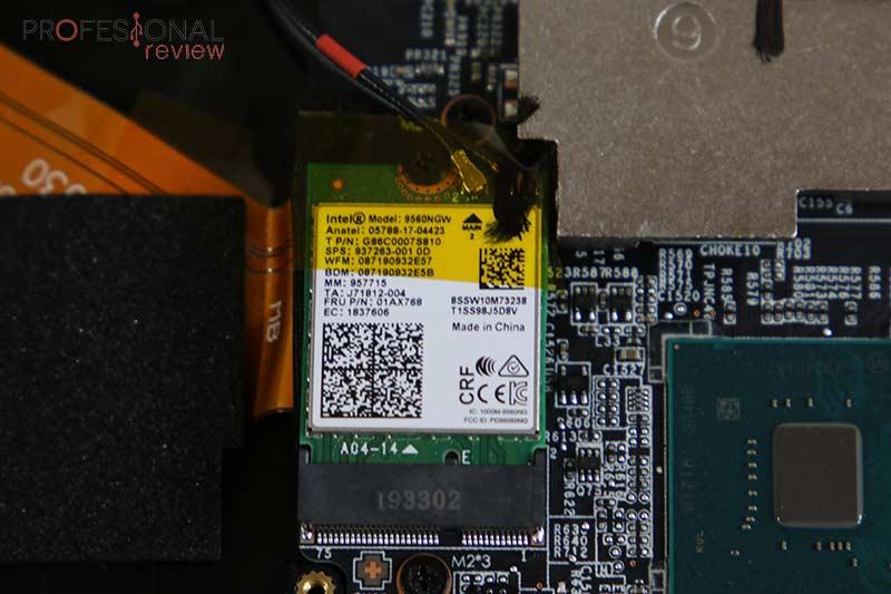 MSI GL75 9SEK red