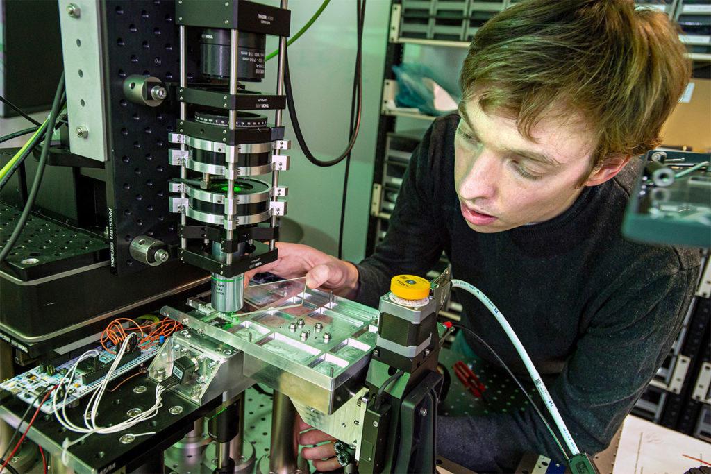 Creación de medios de almacenamiento óptico