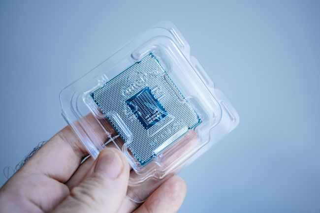 Intel Xeon E-2274G