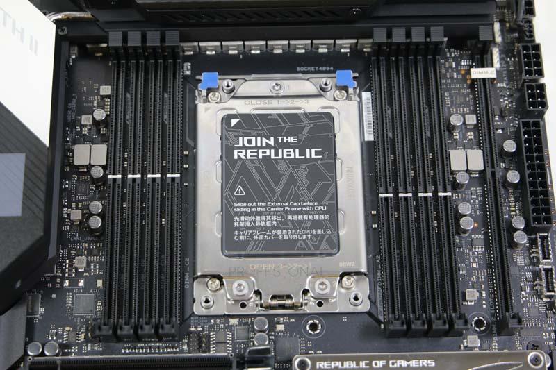 Asus ROG Zenith II Extreme Socket
