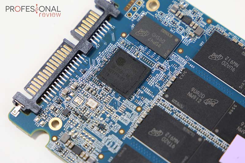 Crucial MX500 Review