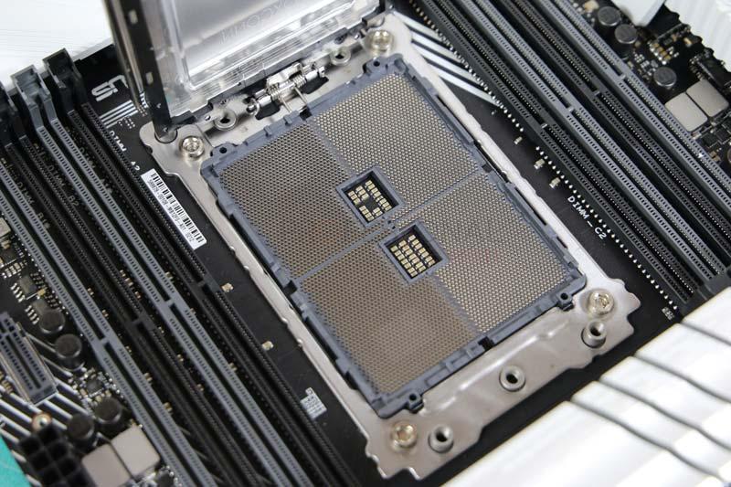 Asus Prime TRX40 Pro Socket