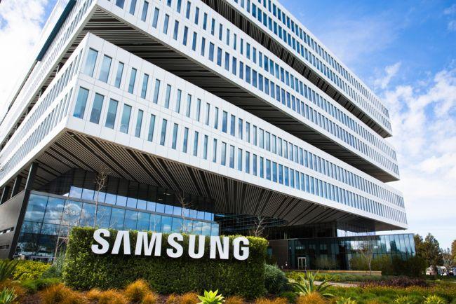 Photo of Samsung y Google repararán teléfonos de trabajadores en sanidad