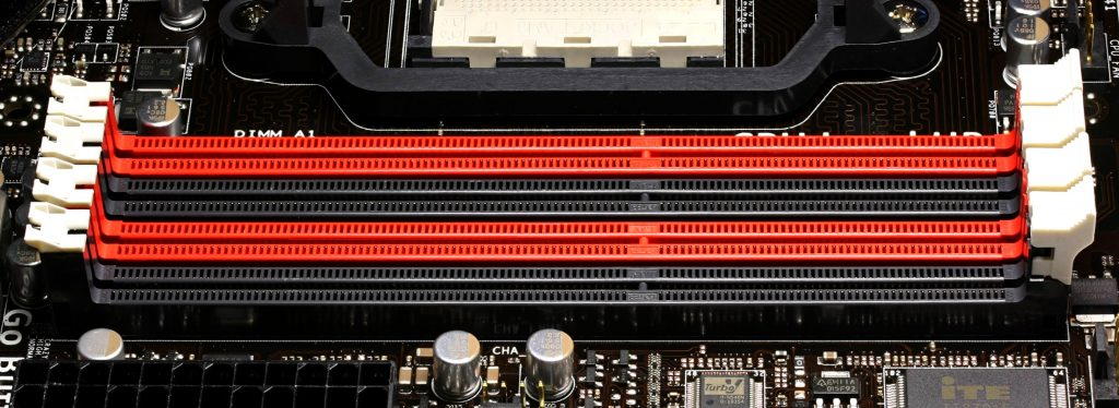 slots for DDR3 RAM