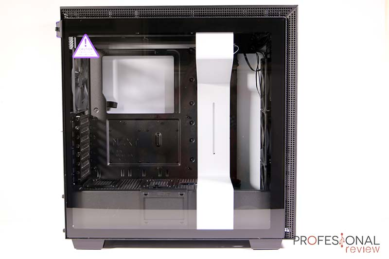 NZXT H710i Review