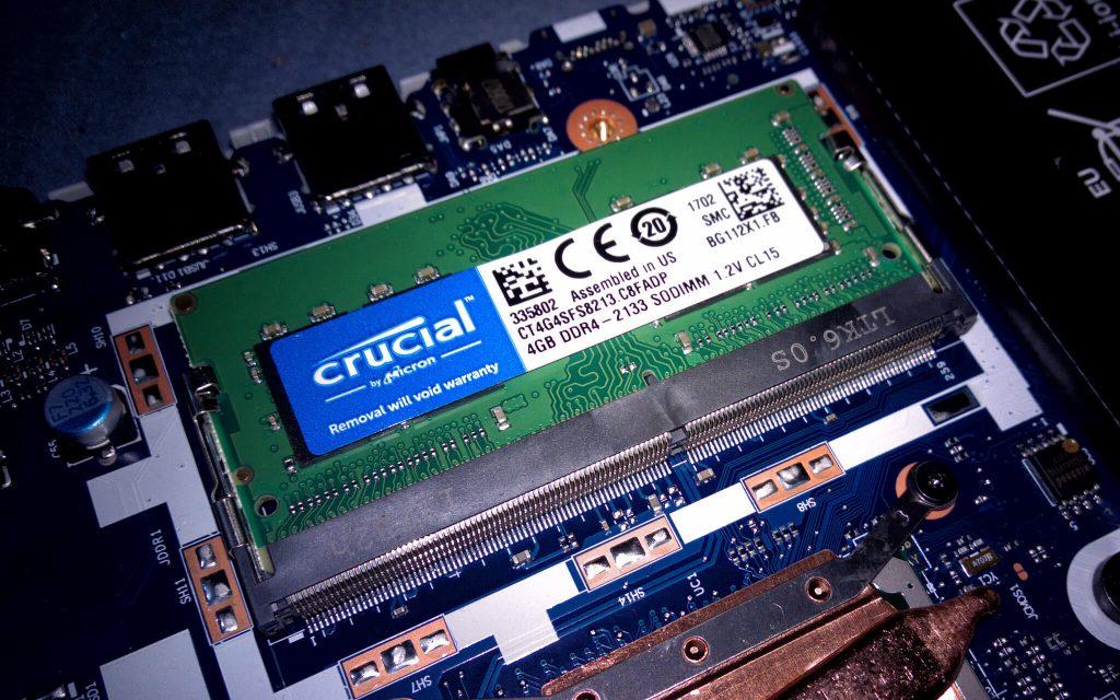Slot RAM SO-DIMM