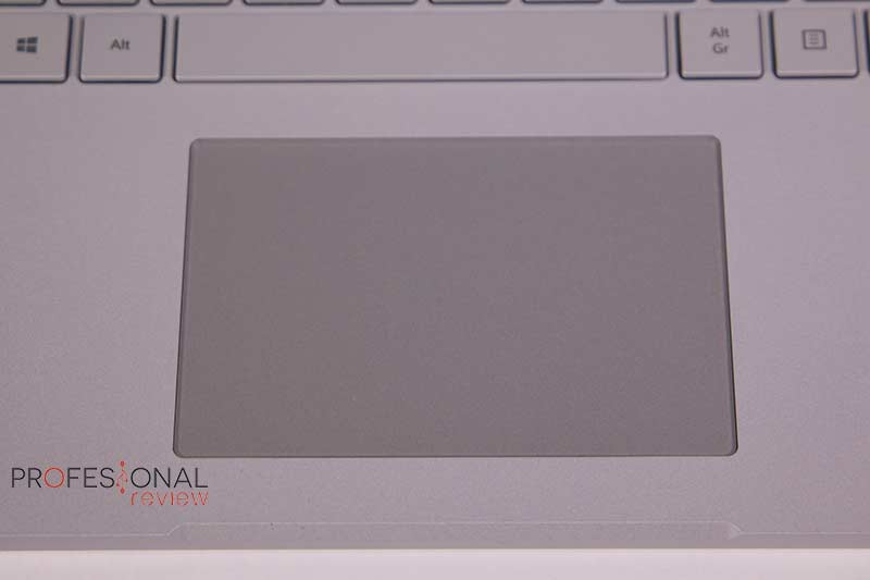 Microsoft Surface Book 3 Touchpad