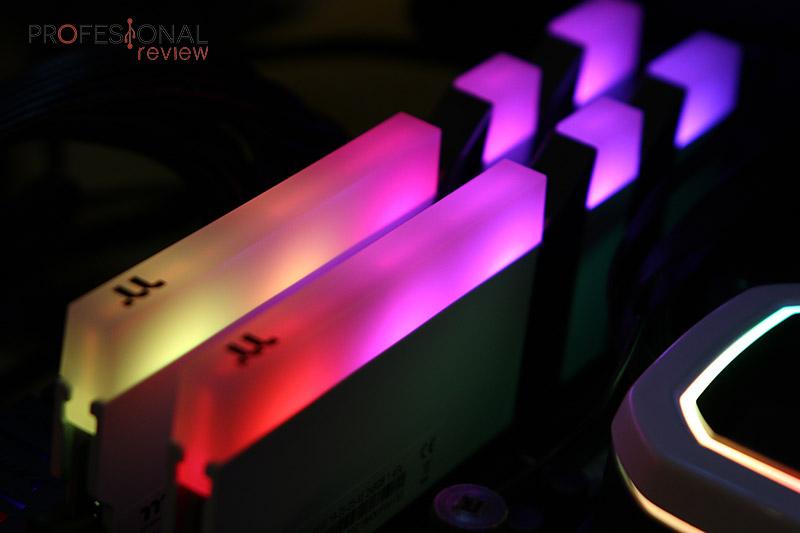 Thermaltake-Toughram-RGB-4400
