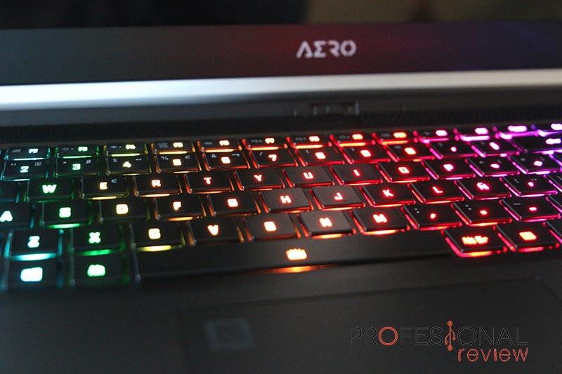 Gigabyte AERO 15 OLED XC Teclado