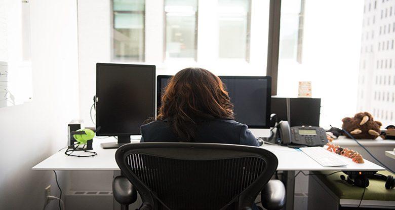 ergonomía escritorio