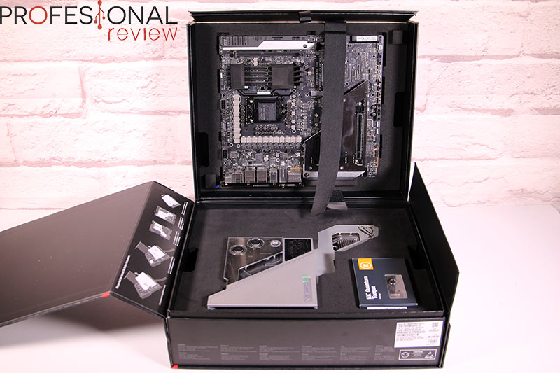 Asus ROG Maximus XIII Extreme Glacial Review