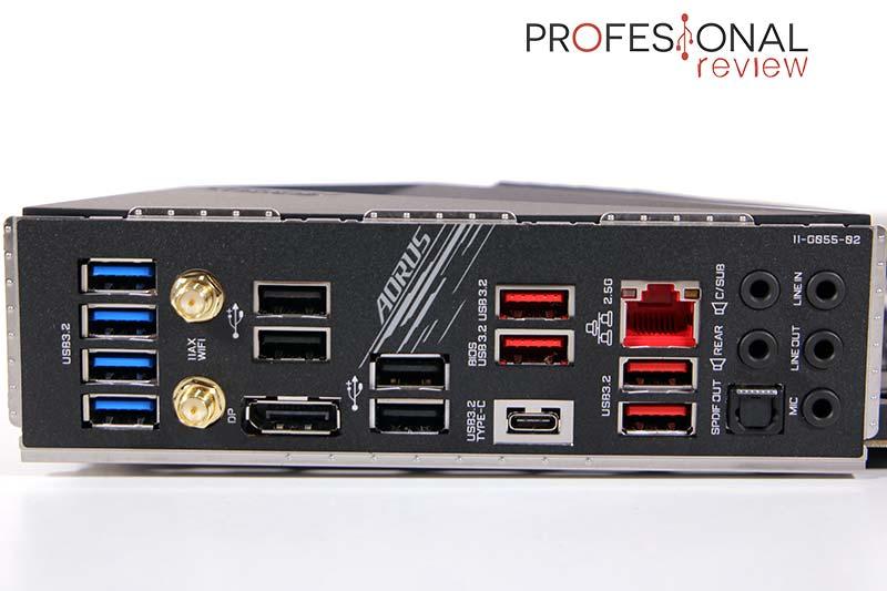 Z590 AORUS Pro AX Puertos