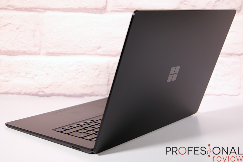 Microsoft Surface Laptop 4 Review