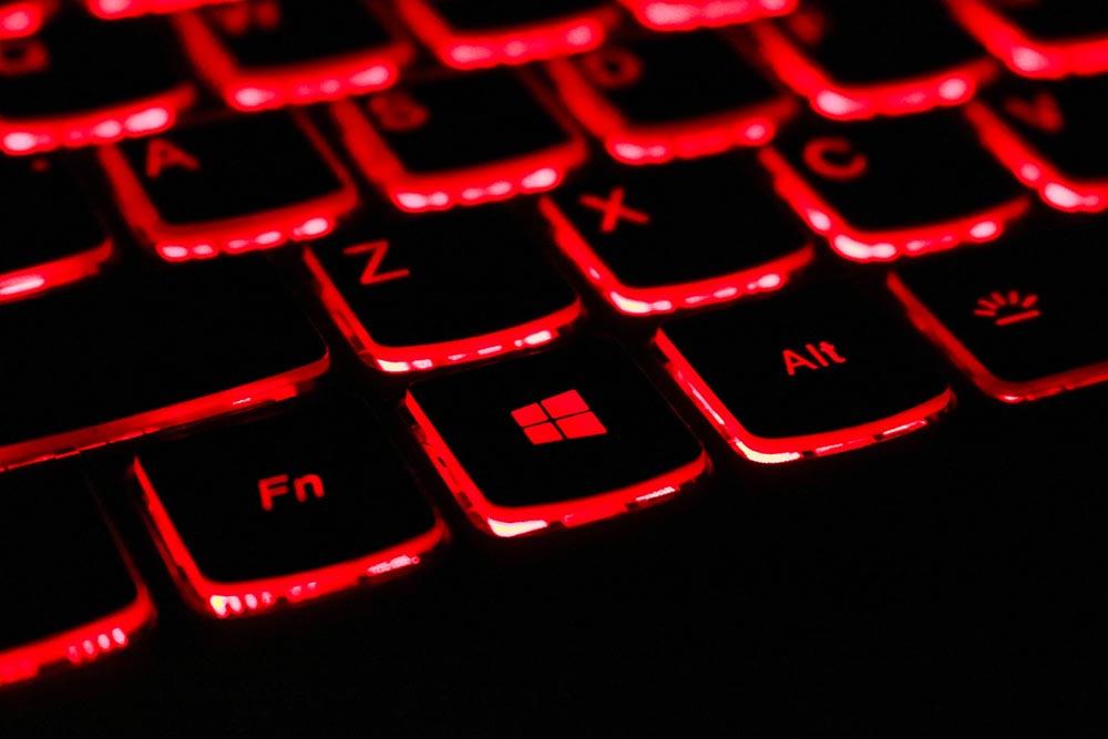 teclado retroiluminado portátil