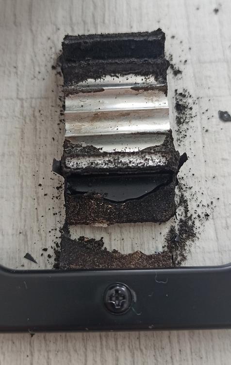 Corrosion metal liquido aluminio
